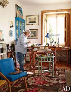 Pedro Espírito Santo's Romantic Home In Lisbon | Architectural Digest Architectural Digest, Vintage Home Decor, Vintage Furniture, Workspace Inspiration, Home Office Space, Romantic Homes, Home Accents, Workspaces, Interior Design