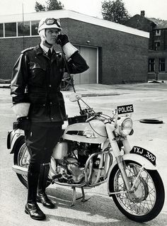 Norton dominator Patrol 1963. Scram its the Norton cops!
