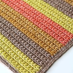 This blanket pack includes the patterns for:  	Charlie blanket 	Rainbow Ripple blanket 	Marlize Blanket 	Star stitch blanket  When you purchase these patterns as a pack, you get a 25% discount on the patterns. All patterns are available in both Dutch and English.
