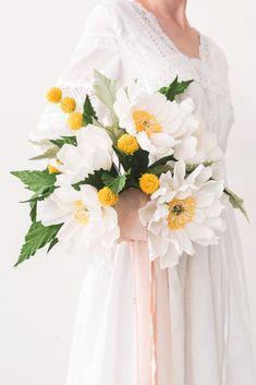 New Flowers Bouquet Diy Gift Crepe Paper Ideas Paper Flowers Wedding, Tissue Paper Flowers, Wedding Flower Arrangements, Bridal Flowers, Flower Bouquet Wedding, Wedding Paper, Floral Wedding, Diy Flowers, Floral Arrangements