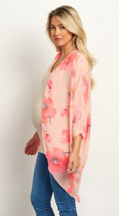 This is the perfect lightweight layering piece for your closet this year. A floral print just in time for spring, with an open front that makes layering easy. Style this kimono over a maternity tank top and pair with jeans and boots for a gorgeous ensemble.