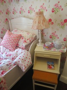 Cutesie Floral Wallpaper Girly Rooms Stuff To Buy
