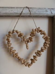 Decorative handmade heart made from peanuts with natural jute twine attached for hanging. Each peanut is drilled and placed on pliable, strong wire and moves independently of each other. Can be bent into your desired shape. Hang in your kitchen or outd. Diy For Kids, Crafts For Kids, Diy Crafts, Diy Wreath, Wreaths, Heart Wreath, I Love Heart, Jute Twine, Little Birds