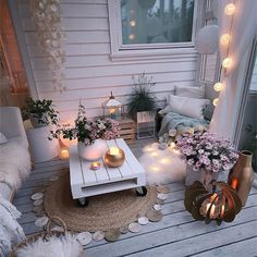wonderful home inspired design! Balkon – Home Decoration Apartment Balcony Decorating, Apartment Balconies, Porch Decorating, Small Deck Decorating Ideas, Apartment Patio Gardens, Decor Ideas, Small Patio Ideas On A Budget, Cozy Apartment Decor, Apartment Therapy