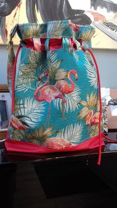 Sac Calypso tissu flamant rose cousu par Patou - Patron sac seau Sacôtin