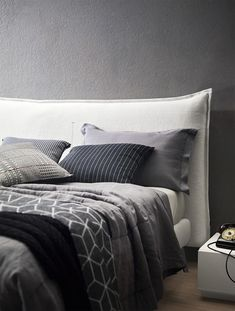A soft and comforting upholstered bed characterised by an enveloping headboard enriched with visible contrast stitching. Modern Master Bedroom, Farmhouse Master Bedroom, Master Bedroom Design, Home Bedroom, Bedroom Decor, Kids Bedroom, Bedroom Ideas, Diy Bett, Bedding Inspiration