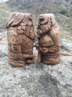 Unique wooden figurines of Norse gods and Vikings by WoodArtsStore Simple Wood Carving, Dremel Wood Carving, Wood Carving Art, Wooden Statues, Wooden Figurines, Wooden Art, Diy Wooden Projects, Wood Crafts, Whittling Wood