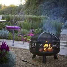 La Hacienda Indiana Steel Firebowl DESCRIPTION: This La Hacienda Indiana firebowl is made from steel. It's suitable for use with untreated wood or logs and la hacienda heat logs or easy logs and comes with a metal tool, fuel grate and mesh spark guard. Q Garden, Garden Ideas Uk, Rooftop Garden, Garden Inspiration, Allotment Gardening, Garden Lanterns, Fire Bowls, My Secret Garden, Gardens