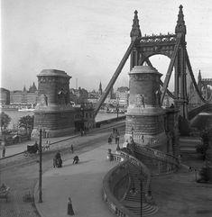 1912, Döbrentei tér, Erzsébet híd budai hídfő. Villamos még nincs, de hintó és kézikocsi, az van (volt).