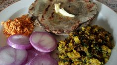 Rustic meal From Maharashtra, India, Zhunka Bhakar or spring onion veg with pearl millet flat bread. #Indiancooking #Millets #springoions #healthymeals #indianrecipe