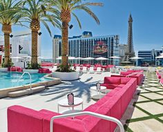 Best Pools in Las Vegas- The Brightest Place on The Earth and The King of Hotels