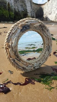 HomelySmart 30 Innovative Driftwood Interior decoration Tips - HomelySmart Driftwood Mirror, Diy Mirror, Driftwood Wreath, Rope Mirror, Mirror Crafts, Decoration Theme Marin, Driftwood Projects, Driftwood Ideas, Nautical Design