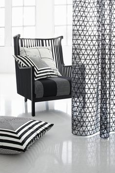 Stylish curtains with graphic pattern. Textiles designed by JAB Anstoetz, VAN VUGHT Interiors, your designer in Berlin
