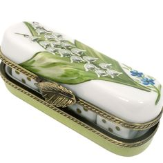 "Boîte étui à dés, décor ""muguet"" .Porcelaine ~ I would love this case to hold special things"