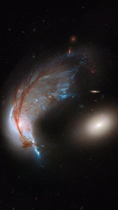 Hubble image of merging galaxy pair Arp 142