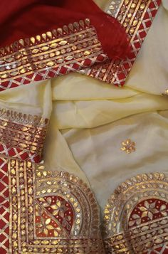 Buy online Pastel Hand work Gotta Patti Georgette Flower Design Saree With Red Border - Gota Patti Sarees - Handwork Gota Patti Suits, Gota Patti Saree, Stylish Dress Designs, Designs For Dresses, Pakistani Dresses Casual, Pakistani Dress Design, Kids Ethnic Wear, Embroidery Suits Punjabi, Frock Fashion