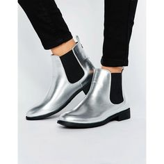 Park Lane Flat Metallic Chelsea Boots (130 AED) ❤ liked on Polyvore featuring shoes, boots, ankle booties, silver, pull on boots, slip on booties, flat ankle booties, chelsea ankle boots and metallic boots