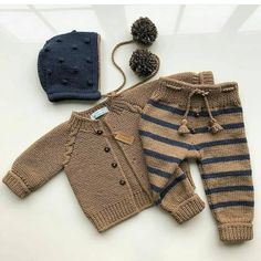 Crochet Bebe, Crafts To Make Baby Knitting Patterns, Baby Sweater Knitting Pattern, Baby Boy Knitting, Knitting For Kids, Baby Patterns, Knit Baby Dress, Knitted Baby Clothes, Baby Cardigan, Knit Baby Pants