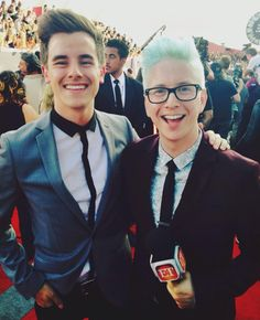 met up with ty ty on the red carpet today! we've come so far  #ConnorFranta #TylerOakley