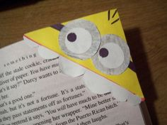 OMG. Minion bookmarks. I'm in love with this.