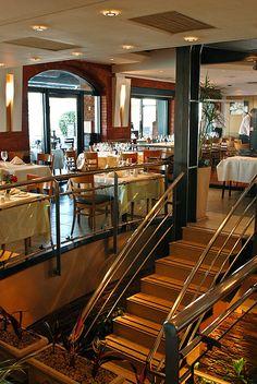 Puerto Cristal Restaurant.  Puerto Madero.  Buenos Aires, Argentina.