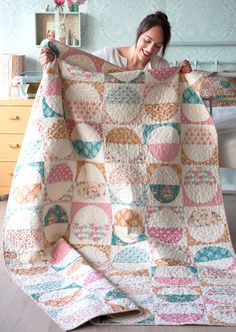 The Spring-Diaries-Quilt Free Pattern! Fabrics available from The Homemakery… Quilting Tutorials, Quilting Projects, Quilting Designs, Quilting Ideas, Circle Quilts, Quilt Blocks, Scrappy Quilts, Baby Quilts, Strip Quilts