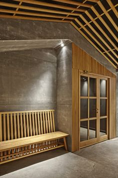 From the designers: Briefing: Design the brand and interior for Nozomi Sushi Bar, a restaurant specialized in traditional sushi. Solution: The project in which Masquespacio began to work in January 2014 starts with a previous study of Japanese culture and the origin of sushi. A...
