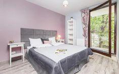 Krakov ubytovanie v centre mesta Centre, Bed, Furniture, Home Decor, Homemade Home Decor, Stream Bed, Home Furnishings, Beds, Decoration Home