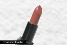 Nicely Nude (#6701) http://www.eyeslipsface.fr/produit-beaute/rouge-a-levres-mineral