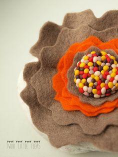 felt flower brooch wool felt flower polymer clay by TwoLittleFleas, €9.00