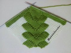 New female booties model construction 1 - knitting Crochet Patterns For Beginners, Baby Knitting Patterns, Knitting Stitches, Knitting Socks, Knit Baby Booties, Baby Boots, Filet Crochet, Knit Crochet, Knitted Slippers
