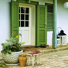 Modern Country, Country Style, Cottage Exterior, She Sheds, Cottage Style Homes, Rustic Doors, Farmhouse Interior, Traditional House, Sweet Home