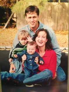 Woah. Before the beard, Willie Robertson looked like John Luke.  Oh my...heller how you doingt?! lol