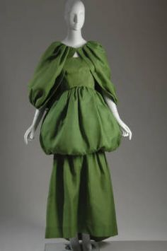 Evening dress with cape, 1961. Silk gazar. Cristobal Balenciaga