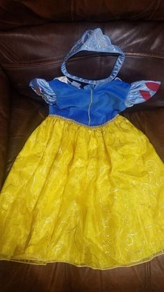 Disguise Disney Snow White Sparkle Deluxe Girls Costume Dress XS M NIP