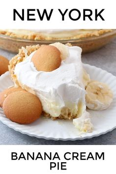 This Banana Cream Pie recipe starts has a homemade Nilla wafer crust, creamy pudding filling, sliced bananas and a delicious whipped topping. Perfection! #bananacreampie #dessert