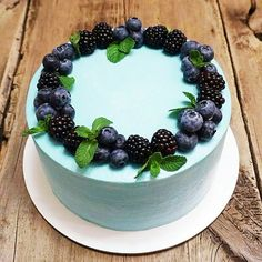 Russian Cakes, Blueberry, Panna Cotta, Butter, Cream, Ethnic Recipes, Food, Creme Caramel, Berry