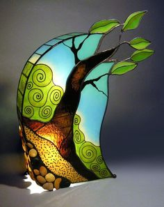 fused glass sections in the stained glass lamp Stained Glass Lamps, Stained Glass Designs, Stained Glass Panels, Stained Glass Projects, Stained Glass Patterns, Fused Glass, Mosaic Art, Mosaic Glass, Oeuvre D'art