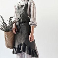 Cotton Linen Bib Apron Japan Fashion, New Fashion, Homemade Aprons, Flirty Aprons, Shop Apron, Childrens Aprons, Custom Aprons, Bib Apron, Linen Apron