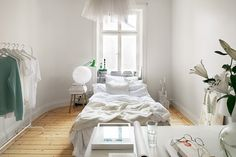 my scandinavian home: A fresh, white Stockholm apartment Colorful Interior Design, Interior Design Inspiration, Home Decor Inspiration, Decor Ideas, Serene Bedroom, One Bedroom, Bedroom Decor, White Bedroom, Bedroom Workspace
