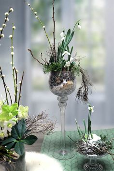 Tischdeko Winter Schneeglöckchen You are in the right place about Flowers Arrangements mothers day H Easter Flower Arrangements, Floral Arrangements, Fall Flowers, Wedding Flowers, Deco Floral, Elements Of Art, Types Of Flowers, Decoration Table, Floral Centerpieces