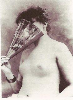 Sarah Bernhardt , 1880 Vintage Glamour, Vintage Beauty, Vintage Ladies, Gustave Courbet, History Of Photography, Educational Websites, Vintage Images, Photo Cards, Old Photos