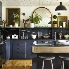 Makeover of the Woodhouse Lodge Catskills Motor Lodge Megan Plow - Marble Eclectic Kitchen, Kitchen Interior, New Kitchen, Kitchen Dining, Kitchen Decor, Kitchen Island, Kitchen Ideas, Kitchen Inspiration, Art Deco Kitchen