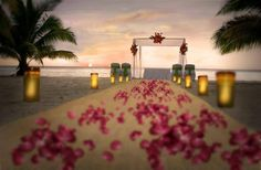 What does your dream wedding look like? We can make it happen at #SunscapeSaborCozumel! #WeddingWednesday #YourDreamDay