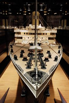 Titanic Branson Interior 26 ft model on display...amazing! when i saw it i knew right then and there i wanted it. but my smaller model will do... :)
