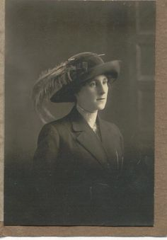 Picture of woman with hat #vintage #hat #feather