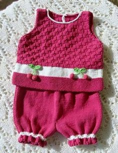 lovely pink knitted set. soo sweet and girly..