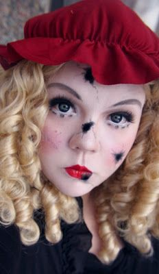Jangsara's broken doll costume makeup tutorial. Not the best job on the make-up, but I like the idea!