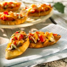 Barbecue Bruschetta Cheddar Recipe  http://www.nataliemaclean.com/blog/recipe-cheddar-bruschetta/ #wine #tasty #comfortfood #deliciousfood #yummy #familymeal #recipe #homemade #feelgoodfood #food #inthekitchen