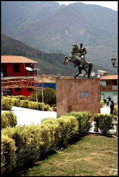 Plaza Bolívar - Queniquea, Municipio Sucre, Estado Táchira, Venezuela.
